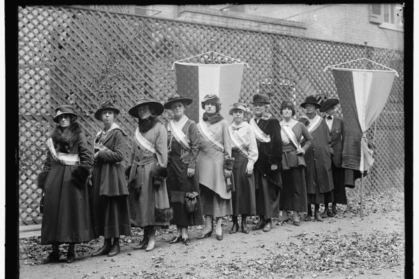 Suffrage Pickets 1915